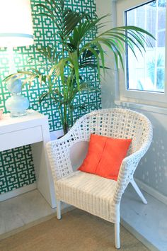 Tropical House - Project by Ana Antunes - for Tv Makeover Show Portugal, geometric wallpaper, coral pillow