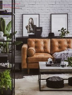 fabulous elegant living room decoration ideas for modern house 30 Living Room Decor Brown Couch, Leather Living Room Furniture, Living Room Decor Colors, Elegant Living Room, Living Room Green, Living Room Paint, New Living Room, Living Room Interior, Living Room Designs