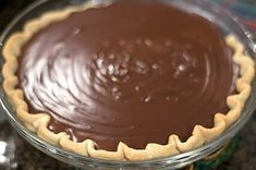 Quick and easy chocolate tart with thermomix. I offer you a recipe for chocolate pie, quick and easy to prepare at home thermomix. Grandma's Chocolate Pie, Chocolate Meringue Pie, Chocolate Filling, Chocolate Pudding, Dessert Thermomix, Blackberry Syrup, Cooking 101, Holiday Desserts, Pie Recipes