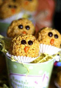 Krispies Treat Chicks - This is a great kid-friendly recipe for either Easter dessert or a fun recipe they can help you with and bring in to their class!