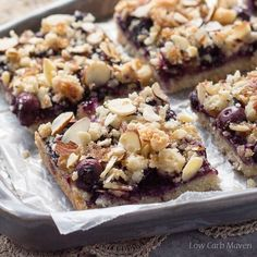 Low Carb Blueberry Crumble Bars via Low carb blueberry crumble bars made with almond flour and shredded coconut and filled with a jammy blueberry filling. This sugar-free recipe serves up the taste of Summer any time of year. Blueberry Crumble Bars, Fruit Crumble, Low Carb Deserts, Low Carb Sweets, Low Carb Maven, Low Carb Keto, Strawberry Desserts, Healthy Desserts, Diabetic Desserts
