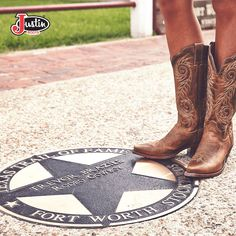 #JustinBoots #LadiesBoots #Country #Texas #Stars #omgbeautiful #Details  Find these beauties here!-------> http://www.justinboots.com/footwear/women/collections/fashion/L4332
