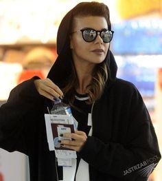 TYLKO U NAS! Edyta Górniak poleciała do Nowego Jorku. Kogo tak czule przytulała na lotnisku przed odlotem? [PAPARAZZI] - Zdjęcia paparazzi Edyty Górniak