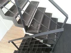 muizentand trap van structuur zwart mat gepoedercaot staal xillix.nl