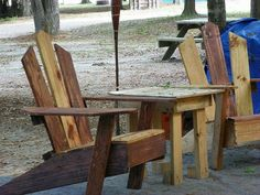beachcomber chairs: recycled pallets