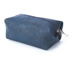 Small #Cosmetic #Bag made of silky smooth #cork #leather | 100% #sustainable & #vegan | CHF 24.00 | free delivery & return within Switzerland