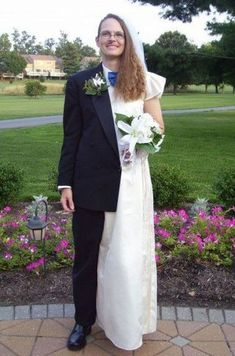 For all of you not gonna be so single ladies for prom!!                    -Aw! He makes a lovely couple, don't he?!?