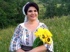 Nicoleta Vasile Cum e ruga unei mame - YouTube Facebook, Youtube, Fashion, Moda, Fashion Styles, Fashion Illustrations, Youtubers, Youtube Movies