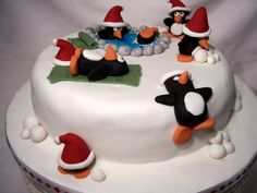 Resultados de la busqueda de imagenes de Google de http://girlfromthehills.files.wordpress.com/2010/04/penguin_christmas_cake.jpg