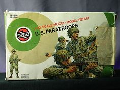 Airfix US Paratroopers WWII Army Men Soldiers 1 32 Scale Vintage Used Box Set   eBay #vintagetoys #toysoldiers #oldtoysandcollectables Small Soldiers, Toy Soldiers, Britains Toys, Airfix Kits, Military Figures, Army Men, Paratrooper, Old Models, Childhood Toys