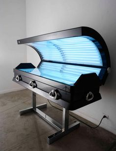 Sunbed Coffin, by Luciano Podcaminsky