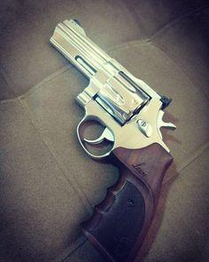 Resultado de imagem para mesbla mesbla Taurus Revolver e