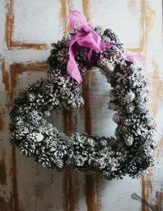 Pretty heart shaped pine cone wreath