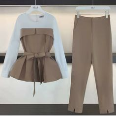 Simple Summer to Spring Outfits to Try in 2019 Muslim Fashion, Hijab Fashion, Korean Fashion, Fashion Dresses, Look Fashion, Teen Fashion, Womens Fashion, Fashion Design, Fashion Trends