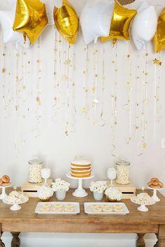 Fiesta de estrellas Dorada y Blanca. // Twinkle, Twinkle Little Star Party Shower Party, Baby Shower Parties, Baby Shower Themes, Shower Ideas, Bridal Shower, Shower Games, Star Wars Party, Star Theme Party, Birthday Party Decorations