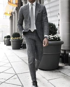 Monochromatic-Suit-with-Black-Shoes 30 Best Charcoal Grey Suits with Black Shoes For Men
