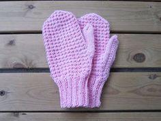 Surruttelua ja silmukoita: lokakuuta 2012 Fun Projects, Mittens, Needlework, Knit Crochet, Diy And Crafts, Gloves, Weaving, Knitting, Kids