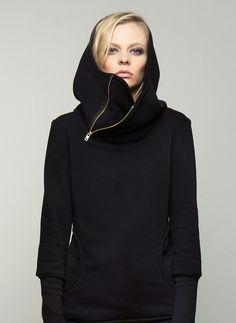 Schwarzer Hoodie mit seitlichem Reißverschluss / all black hoodie, asymmetric zipper by bluetezeit-berlin via DaWanda.com