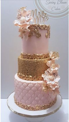 Best 11 Discover more about quinceanera party! Make sure that your big day more beautiful by coordinating every part of decoration. Vintage themes will help spice your quinceanera event look classy. Try pink peonies to spice things up. Bling Wedding Cakes, Wedding Cake Designs, Cake Wedding, Quinceanera Cakes, Quinceanera Decorations, Beautiful Wedding Cakes, Beautiful Cakes, Bolo Sofia, Quince Cakes