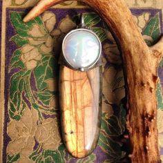 Daydreaming ❤️ #labradorite #moon #goddess #crystal #altar #daydreamer