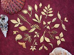 Metal Stamped Leaves, Brass Leaf Stampings, Vintage Metal Leaves, Vintage Style Leaves STA-039