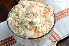 - Super schmackhafter Weißkohl-Möhren-Salat wie aus dem Restaurant Super tasty cabbage and carrot salad like from the restaurant Best Coleslaw Recipe, Coleslaw Recipe Chick Fil A, Side Dishes For Bbq, Carrot Salad, Cooking Recipes, Healthy Recipes, Coslaw Recipes, Carrot Recipes, Grilling Recipes