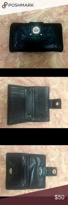 Marc By Marc Jacobs Leather Wallet Large Marc by Marc Jacobs wallet in black (was originally bright blue but had it died black at a professional leather shop) looks almost new! Have barely used it!! My previous boyfriend gave me it as a gift and I would rather someone else be able to put this gorgeous wallet to use 🌺🌎 Marc By Marc Jacobs Bags Wallets
