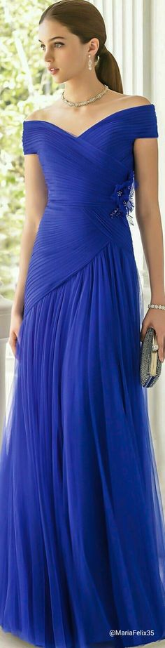 Aire Barcelona 2015 Beautiful dress and color.