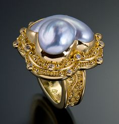 ring 22kt gold granulation pearl diamond