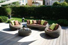 Matra Loungegruppe  Die Matra Loungegruppe verbreietet Gemütlichkeit mit den runden Formen. Bequemes, entspanntes plaudern im Garten ist garantiert. Jeder findet hier seine bevorzugte Sitzposition