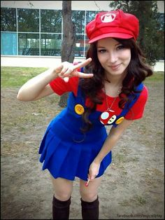 Cute Mario cosplay girl
