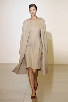 Love this--reminds me of the clothes Rene Russo wore in the movie Thomas Crown Affair.
