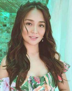 Pretty naman this girl Filipina Actress, Filipina Beauty, Debut Hairstyles, Wedding Hairstyles, Philipino Girls, Hair Inspo, Hair Inspiration, Daniel Padilla, Kathryn Bernardo