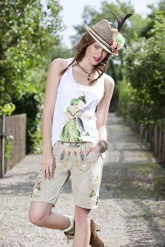 Traditionell meets Modern: Lederhose von Angermaier. Trachtenoutfit Tracht T-Shirt