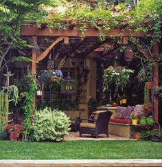 Love what they did with the space! I love this idea i think I may incorporate this into my own garden when i start to build up my back yard!