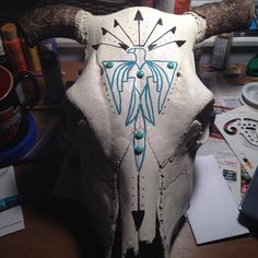 Painted Cow Skull by TurquoiseCool on Etsy Deer Skull Art, Cow Skull Decor, Deer Skulls, Painted Animal Skulls, Buffalo Skull, Western Crafts, Antler Art, Cow Head, Lake Art