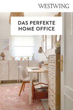 Von zuhause aus arbeiten hat viele Vorteile: Wir können unseren Tagesablauf selbst bestimmen, haben viel Freiraum für Kreativität und müssen keine langen Wege zum Arbeitsplatz auf uns nehmen. Und das Beste für alle Interior-Fans: Wir dürfen unser Office ganz nach unserem eigenen Geschmack einrichten! Wir sind ja bekanntermaßen am produktivsten, wenn wir uns wohl fühlen und uns konzentrieren können./Westwing Home Office Büro Zuhause arbeiten modern Arbeitsplatz Schreibtisch Idee Inspiration 2021 Home Office, Modern, Design, Inspiration, Workplace, Benefits Of, Table Desk, Biblical Inspiration, Trendy Tree