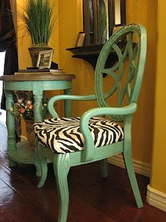 this gives me an idea for re-doing my captain's chair. (no zebra print though lol)