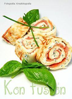 Rollitos de salmón con queso y albahaca