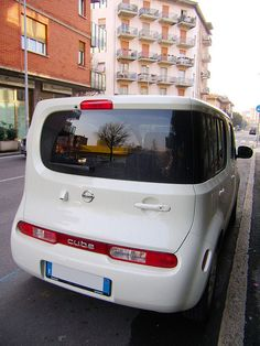 Nissan Cube     http://choxeviet.com/Cho-oto.aspx  http://choxeviet.com/nissan/-i41/teana-j443.aspx