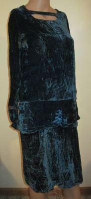 Vintage Blue Silk Velvet Dress Great Neckline Metallic Thread Cuffs