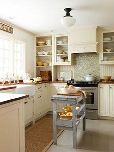 Mesa tocinera en la cocina