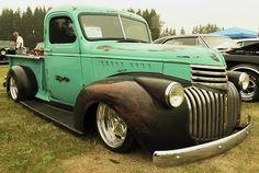 Chevrolet Trucks, Gmc Trucks, Cool Trucks, Chevy Van, Old Pickup Trucks, American Classic Cars, Truck Art, Classic Chevy Trucks, Chevy Pickups