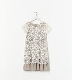 Dress with contrasting details