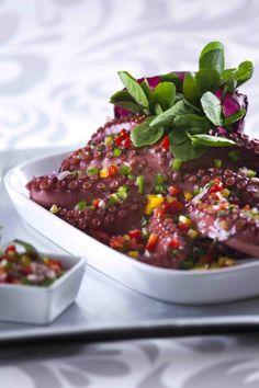 Salada de polvo com vinagrete de pimentos  Saúde à Mesa de Abril - nº 97 www.teleculinaria.pt