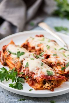 Three Cheese Manicotti Recipe, Beef Manicotti, Spinach Manicotti, Lunch Recipes, Beef Recipes, Dinner Recipes, Cooking Recipes, Hamburger Recipes, Easy Recipes
