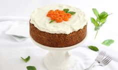 This single-layer Carrot Cake with Cream Cheese Frosting is a quick fix, which is nice for folks who don't have time to fuss with building a layer cake, and it's a classic recipe that belongs in every baker's repertoire. Frosting Recipes, Cake Recipes, Dessert Recipes, Cake With Cream Cheese, Cream Cheese Frosting, Cupcakes, Cupcake Cakes, Baked Carrots, Cake Board