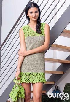 Мини-платье с ажурной каймой - схема вязания спицами.