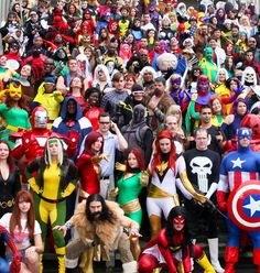 Marvel Universe | D*C 2011. WOW, that is alot of people in one shot..