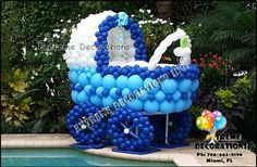 Baby shower balloon decoration - Baby carriage balloon sculpture